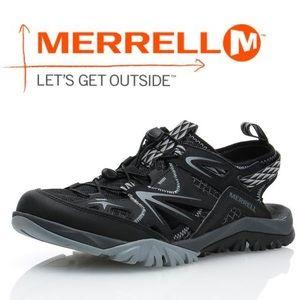 NWOT Merrell Capra Rapid Sieve Sandals in Black